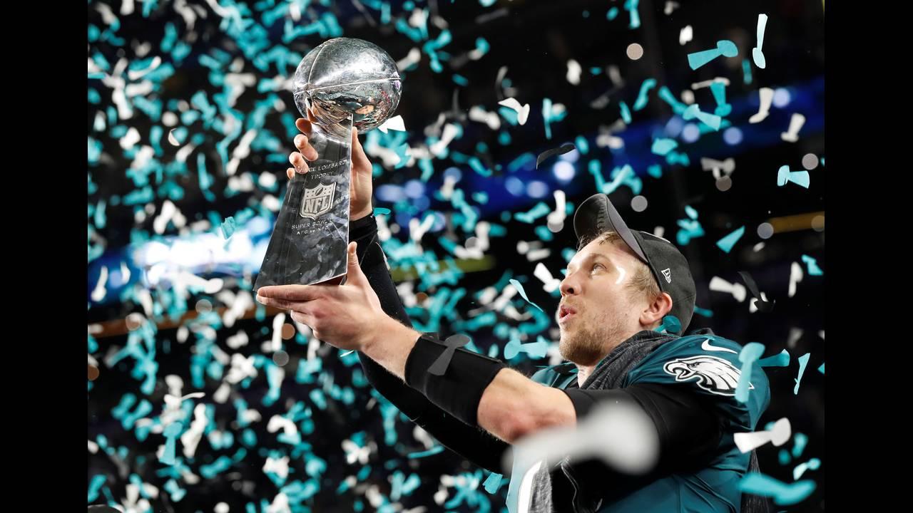 https://cdn.cnngreece.gr/media/news/2018/02/05/116413/photos/snapshot/2018-02-05T035607Z_1092586496_RC1B4BB6C600_RTRMADP_3_FOOTBALL-NFL-SUPERBOWL.JPG