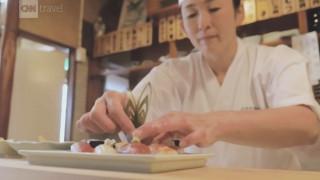 Κόντρα στα στερεότυπα: Μία γυναίκα κατακτά τον ανδροκρατούμενο κόσμο του sushi