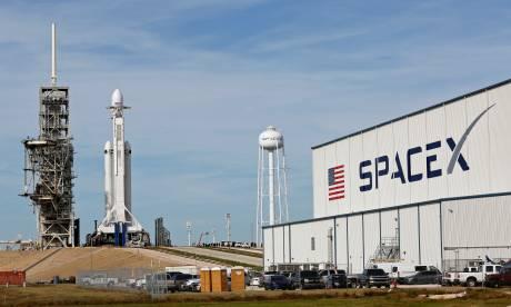 Falcon Heavy: Σήμερα η εκτόξευση του κολοσσιαίου πυραύλου – Όσα πρέπει να ξέρετε