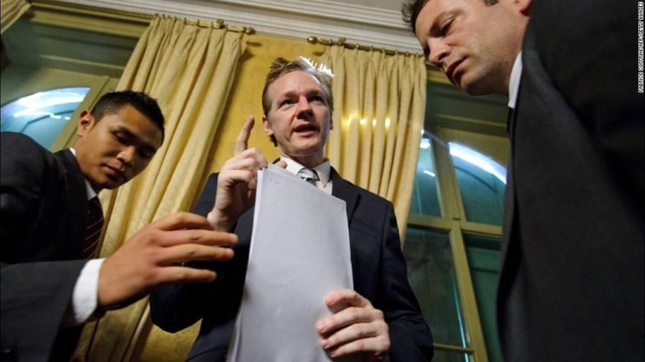 https://cdn.cnngreece.gr/media/news/2018/02/06/116560/photos/snapshot/131010131717-05-assange-1010-horizontal-large-gallery.jpg