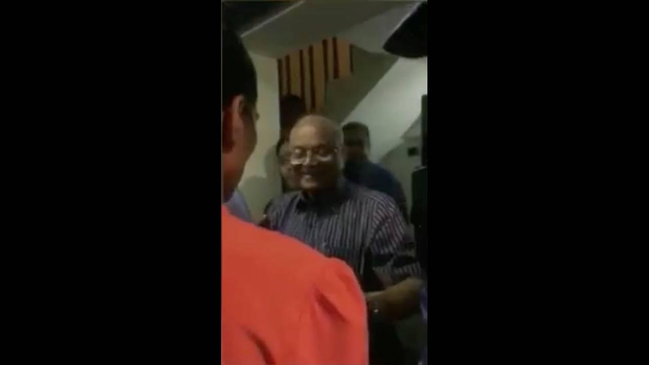 https://cdn.cnngreece.gr/media/news/2018/02/06/116576/photos/snapshot/2018-02-06T074303Z_41992460_RC119E3090F0_RTRMADP_3_MALDIVES-POLITICS.JPG