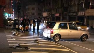 Σεισμός στην Ταϊβάν: Εγκλωβισμένοι από κατάρρευση ξενοδοχείου - Ζημιές στους δρόμους