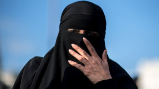 Η Δανία θα απαγορέψει τη μπούρκα και το νικάμπ στους δημόσιους χώρους