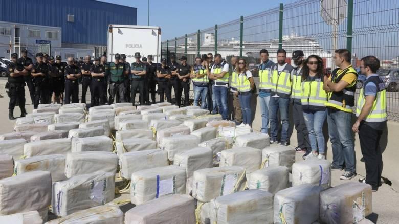 Πάνω από τρεις τόνοι κοκαΐνης κατασχέθηκαν σε διεθνείς επιχειρήσεις στη Λατινική Αμερική