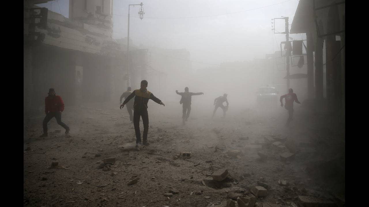 https://cdn.cnngreece.gr/media/news/2018/02/07/116641/photos/snapshot/2018-02-06T155042Z_717116362_RC1E0138FD20_RTRMADP_3_MIDEAST-CRISIS-SYRIA.JPG