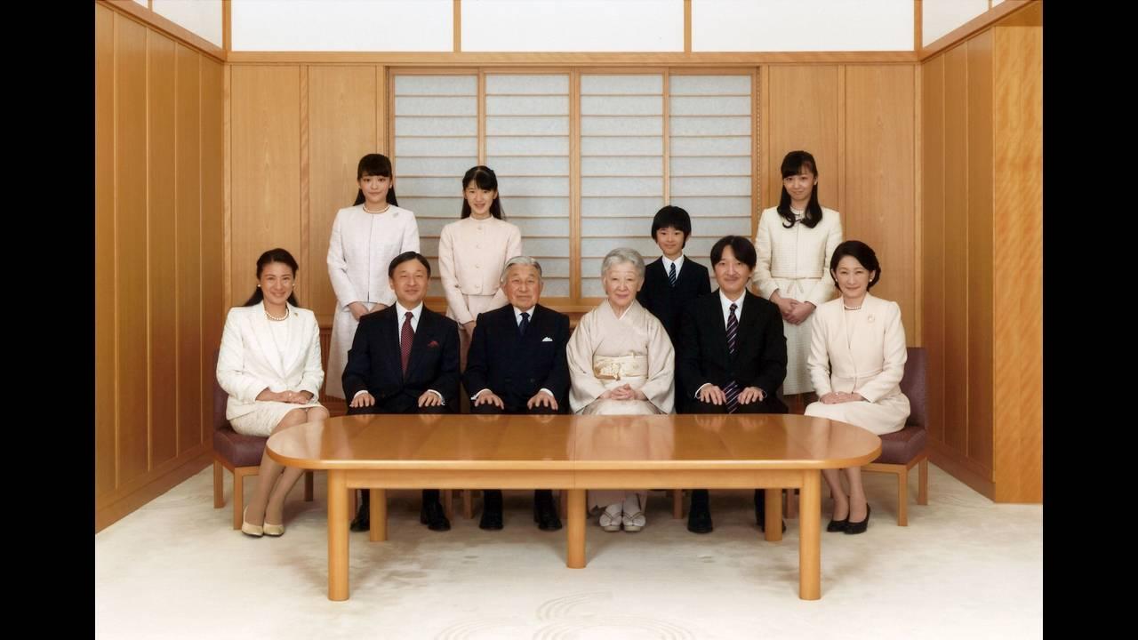 https://cdn.cnngreece.gr/media/news/2018/02/07/116688/photos/snapshot/2017-05-17T044123Z_1145033672_RC1A90E21C80_RTRMADP_3_JAPAN-ROYALS.JPG