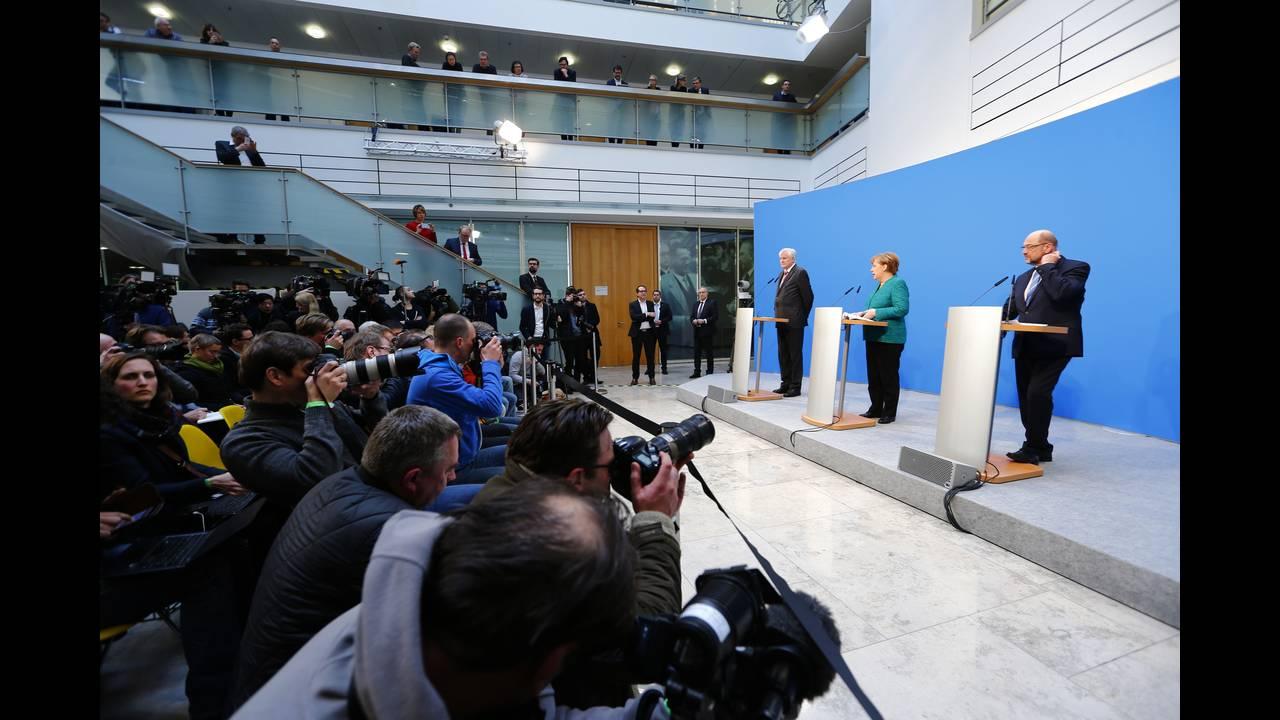 https://cdn.cnngreece.gr/media/news/2018/02/07/116716/photos/snapshot/2018-02-07T135216Z_1462336257_UP1EE2712J4JP_RTRMADP_3_GERMANY-POLITICS-STATEMENTS.JPG