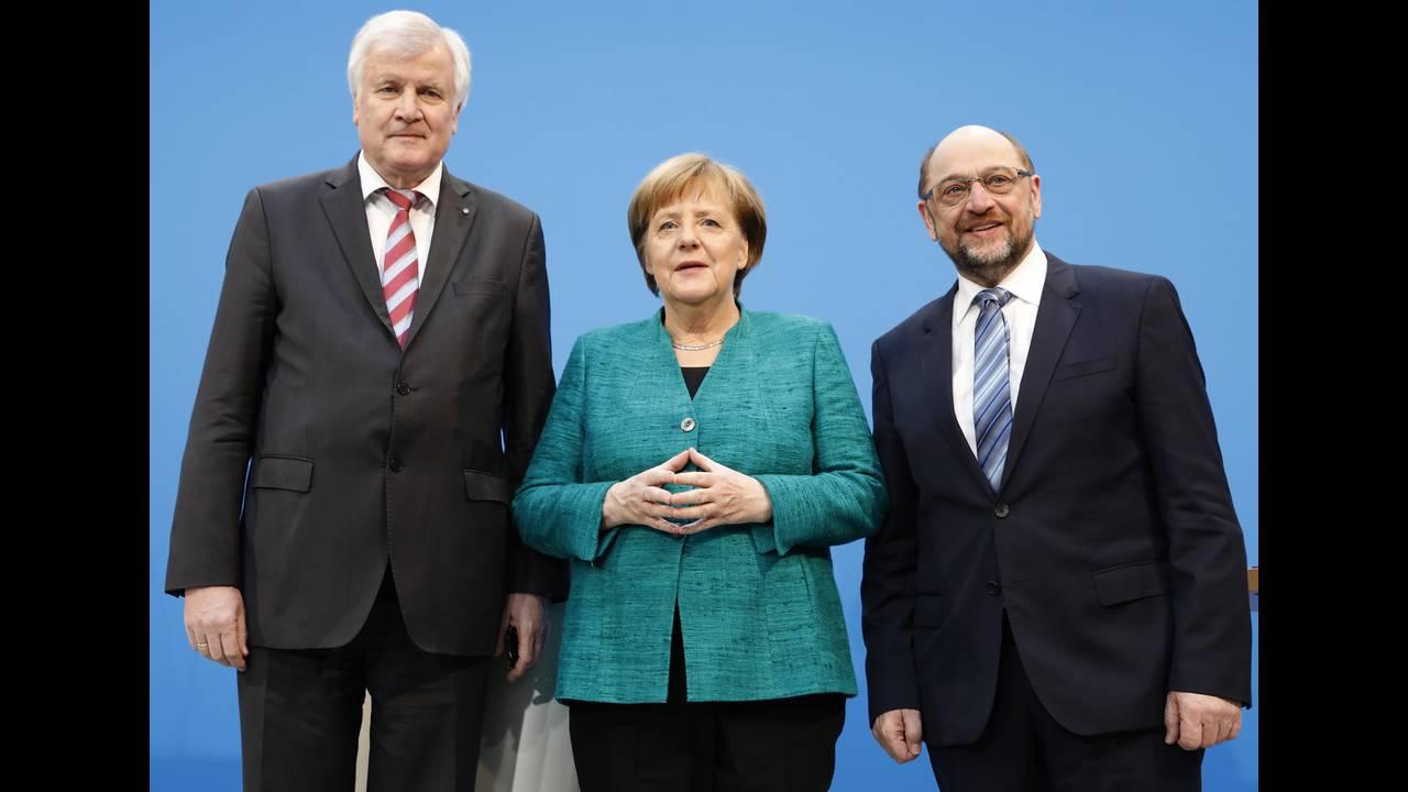 https://cdn.cnngreece.gr/media/news/2018/02/07/116716/photos/snapshot/2018-02-07T140847Z_120502437_UP1EE2713ANKB_RTRMADP_3_GERMANY-POLITICS-STATEMENTS.JPG