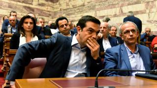 «Σηκώνει το γάντι» η κυβέρνηση στην επίθεση Μητσοτάκη