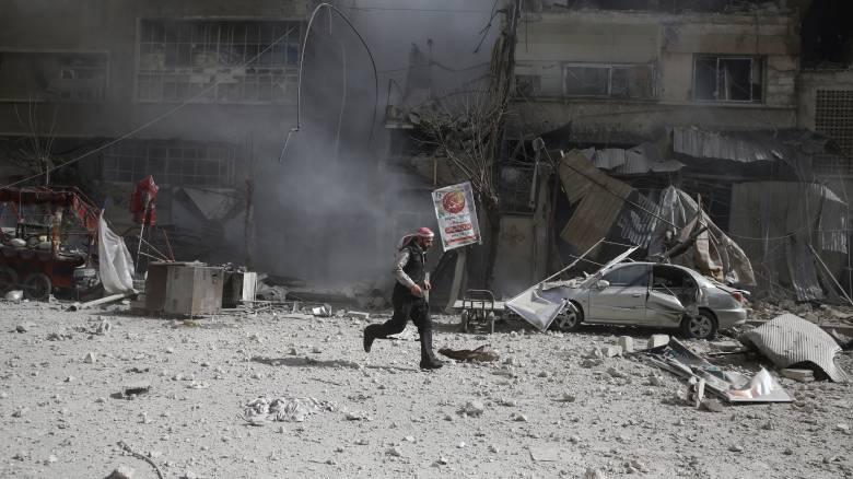 Συρία: Δεκάδες άμαχοι νεκροί από νέες αεροπορικές επιδρομές