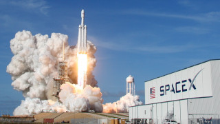 Ο πύραυλος Falcon Heavy κατευθύνεται προς τη ζώνη των αστεροειδών μεταξύ Άρη-Δία