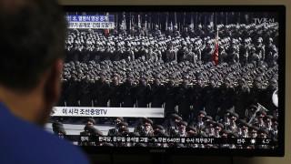 Μεγαλειώδης στρατιωτική παρέλαση στην Πιονγκγιάνγκ