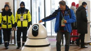 Κίνα: 20 «Robocop» περιπολούν σε σιδηροδρομικό σταθμό