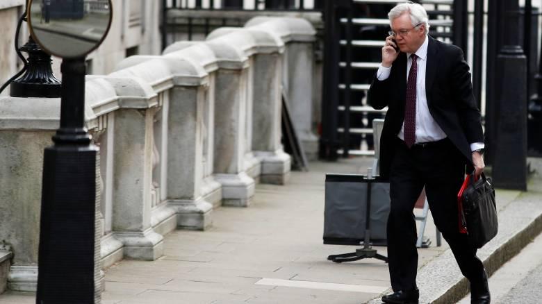 Ενοχλημένος ο αρμόδιος υπουργός για το Brexit με τις Βρυξέλλες