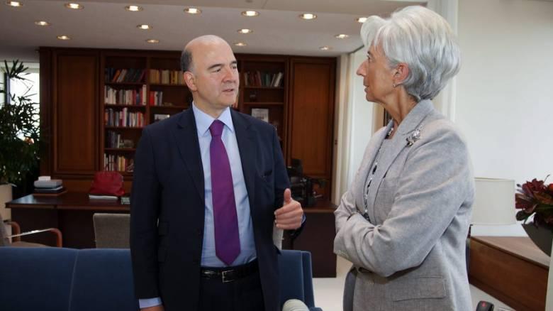 Το ΔΝΤ βλέπει κινδύνους στην Ελλάδα, ο Μοσκοβισί καθησυχάζει