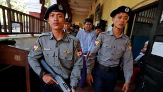 Μιανμάρ: Στοιχεία για τη σφαγή Ροχίνγκια από τον στρατό είχαν βρει οι δημοσιογράφοι που συνελήφθησαν