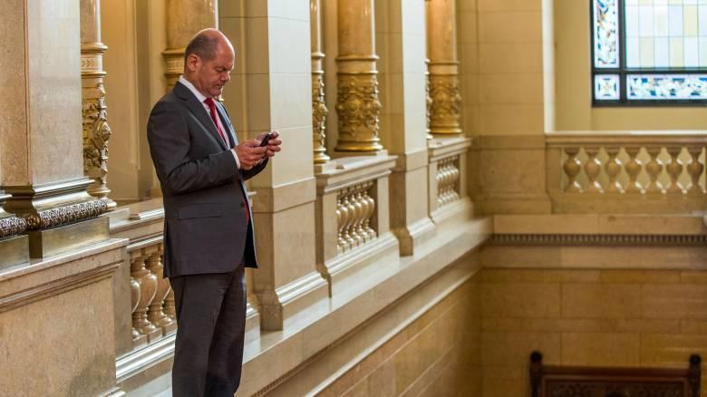 Economist: O Όλαφ Σολτς θα είναι περισσότερο συμφιλιωτικός από τον Σόιμπλε