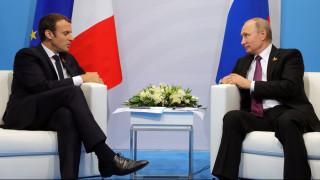 Ο Μακρόν ζητά από τον Πούτιν να ασκήσει επιρροή στη Δαμασκό για τον τερματισμό της κρίσης