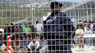 Ανησυχία από τον ΟΗΕ για περιστατικά παρενόχλησης στα hot spots - Η απάντηση του υπουργείου