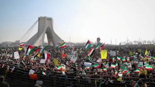 Εκατοντάδες χιλιάδες Ιρανοί στις εκδηλώσεις για την επέτειο της ισλαμικής επανάστασης του 1979
