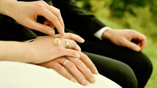 Αγίου Βαλεντίνου: Πιθανότερο να χωρίσουν όσοι παντρεύονται 14 Φλεβάρη