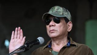 Πρωτοφανής εντολή Ντουτέρτε στο στρατό: Πυροβολήστε τις αντάρτισσες στα γεννητικά όργανα