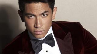 Αμύθητα πλούτη, τίγρεις & Top Gun: ποιός είναι ο πρίγκιπας του Μπρουνέι που αποθεώνει το Instagram