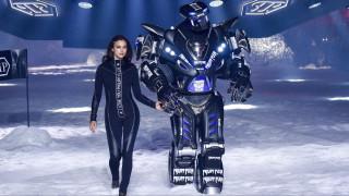 Εβδομάδα Μόδας: Ιρίνα Σάικ & εξωγήινα ρομπότ στις υπηρεσίες του κακού παιδιού της μόδας