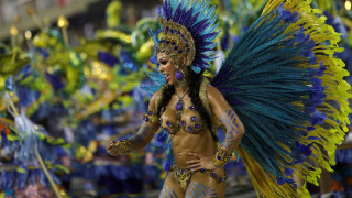 Καρναβάλι - Ρίο ντε Τζανέιρο: 14 εικόνες από την πολύχρωμη παρέλαση στο σαμποδρόμιο
