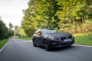 H Mazda εξελίσσει κινητήρες βενζίνης που θα ρυπαίνουν λιγότερο από τους ηλεκτρικούς
