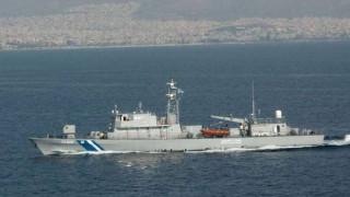 Φωτογραφία από το σκάφος του Λιμενικού που εμβολίστηκε από τουρκική ακταιωρό
