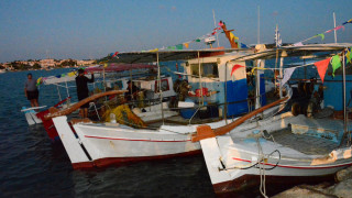 Ανασύρεται το βυθισμένο πλοίο του Πόρτο Χελίου - Εντυπωσιακές εικόνες