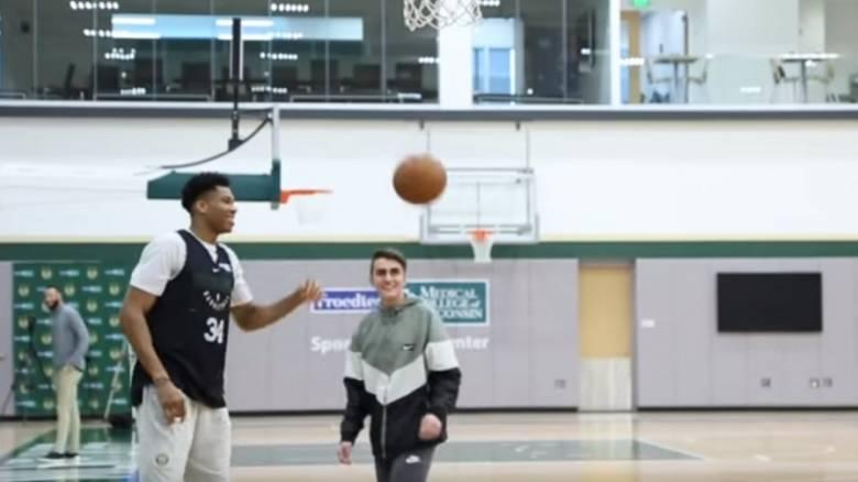 NBA: Η συγκινητική συνάντηση Αντετοκούνμπο με 15χρονο με πρόβλημα υγείας (video)
