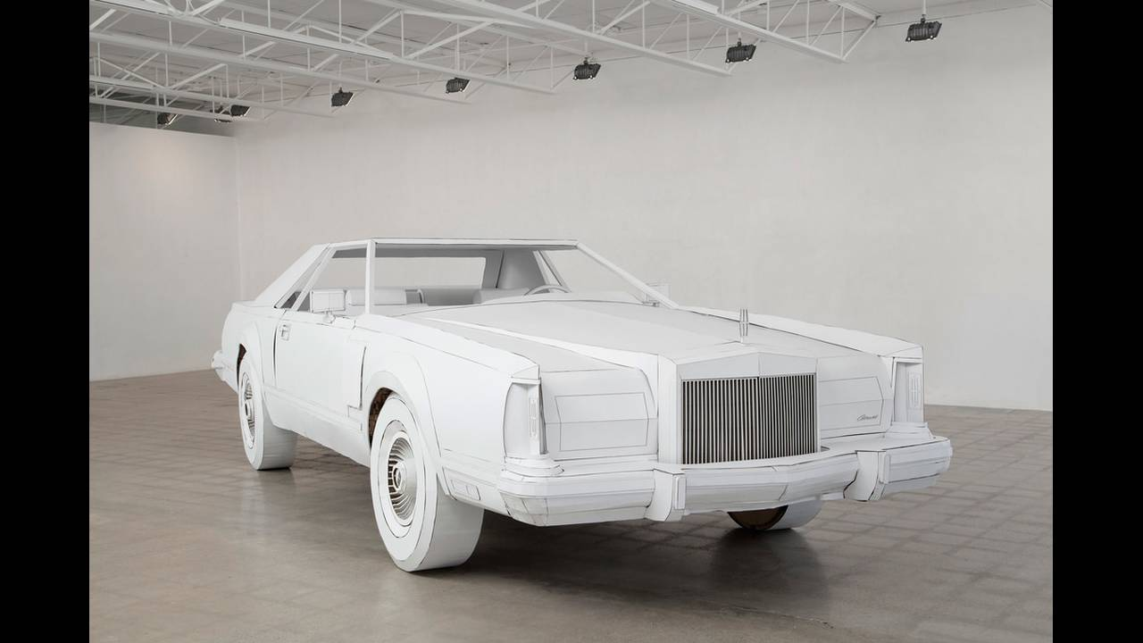 https://cdn.cnngreece.gr/media/news/2018/02/15/117818/photos/snapshot/car-made-of-cardboard-02.jpg