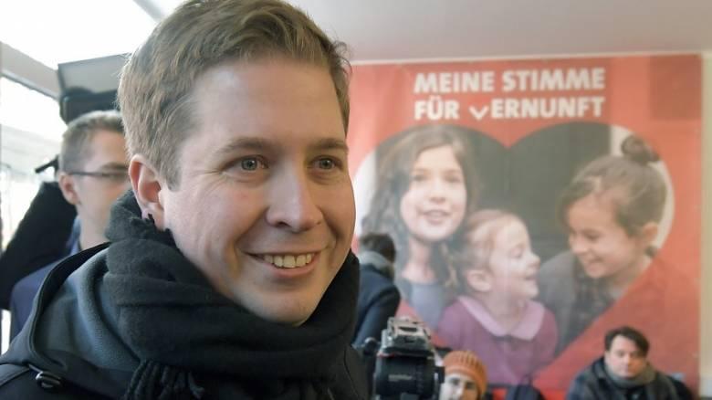 Κέβιν Κιούνερτ: Ο Βενιαμίν της γερμανικής πολιτικής σκηνής που θέλει να εκθρονίσει τη Μέρκελ