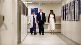 ΗΠΑ: Τραμπ και Μελάνια επισκέφτηκαν τραυματίες του μακελειού του Πάρκλαντ
