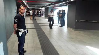 Βίντεο: Δραματική διάσωση 2χρονου που έπεσε στις ράγες του μετρό στο Μιλάνο