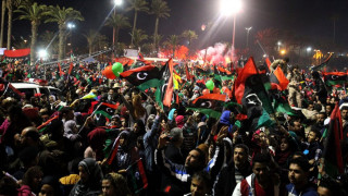 Λιβύη: Χιλιάδες πολίτες γιόρτασαν την 7η επέτειο της επανάστασης