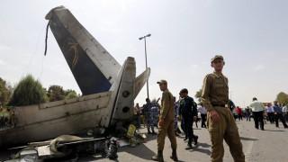 Συντριβή ιρανικού αεροσκάφους: Περισσότεροι από 60 επιβαίνοντες στην πτήση