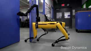SpotMini: Ένας «σκύλος» ρομπότ που ανοίγει την «πόρτα» του μέλλοντος