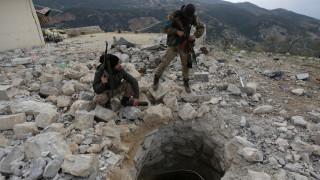 Οι κουρδικές δυνάμεις λένε ότι έπληξαν στρατιωτικούς στόχους σε τουρκικό έδαφος