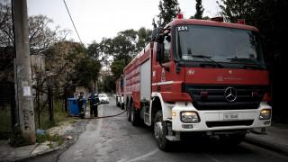 Νεκρός ανασύρθηκε άντρας μετά από πυρκαγιά σε διαμέρισμα στον Πειραιά