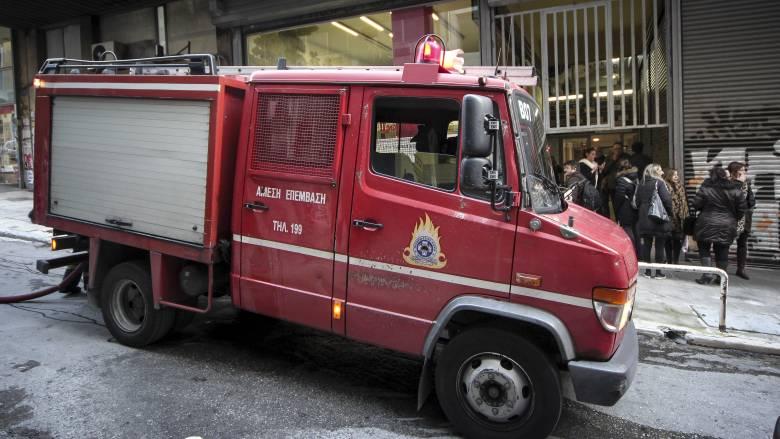 Φωτιά σε πολυκατοικία στο Περιστέρι - Ένας ηλικιωμένος νεκρός