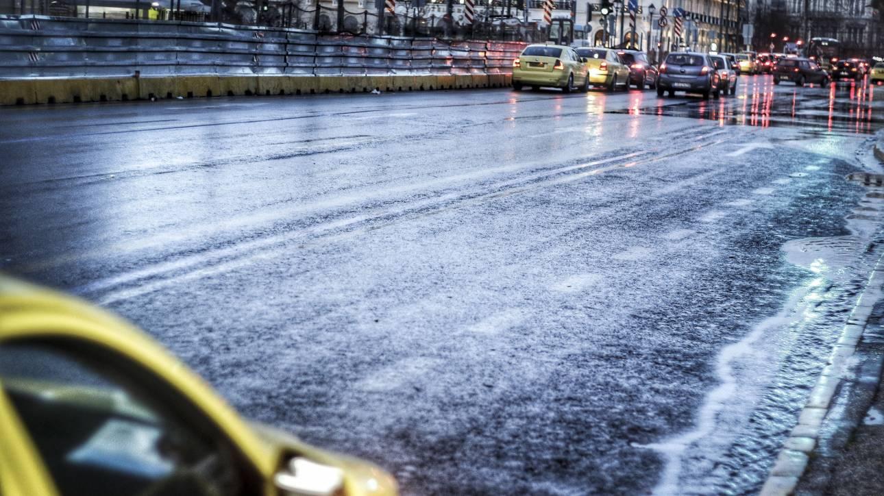 Καιρός: Βροχές, καταιγίδες και χιόνια την Τρίτη