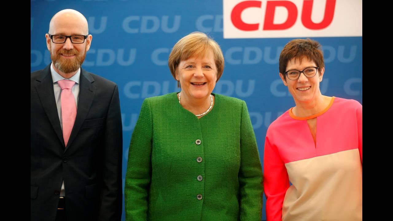 https://cdn.cnngreece.gr/media/news/2018/02/19/118356/photos/snapshot/2018-02-19T101539Z_406227515_RC175D8801C0_RTRMADP_3_GERMANY-POLITICS.JPG