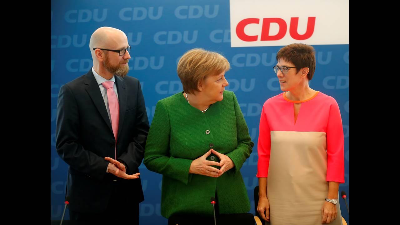 https://cdn.cnngreece.gr/media/news/2018/02/19/118356/photos/snapshot/2018-02-19T102326Z_364520129_RC1E6C7375D0_RTRMADP_3_GERMANY-POLITICS.JPG