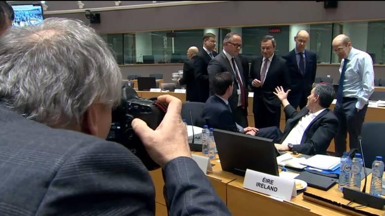 «Μεμονωμένη στιγμή έντασης» μεταξύ Τσακαλώτου και Ντράγκι στο Eurogroup