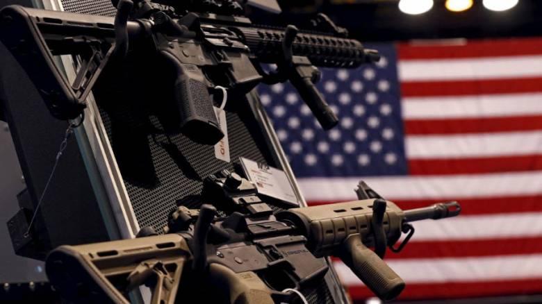 ΗΠΑ: Η πλειοψηφία των Αμερικανών θέλει αυστηρότερη νομοθεσία για την οπλοκατοχή