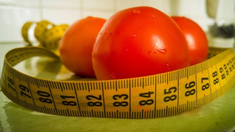 Δίαιτα με χαμηλά λιπαρά vs. Δίαιτα με χαμηλούς υδατάνθρακες: Σημειώσατε Χ