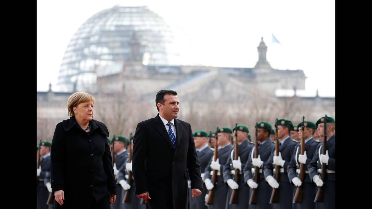 https://cdn.cnngreece.gr/media/news/2018/02/21/118600/photos/snapshot/2018-02-21T111518Z_598113343_RC15F70D86A0_RTRMADP_3_GERMANY-MACEDONIA.JPG